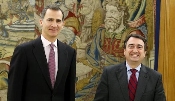 El PNV pide al Rey que exija