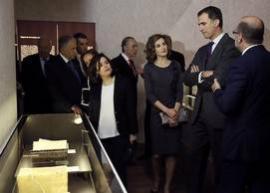 Los Reyes inauguran la primera gran exposición sobre Cervantes