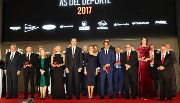 Los Reyes elogian el deporte español en la entrega de los Premios As