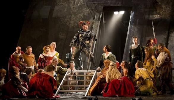 El Teatro Real presenta un radical Rigoletto contra la injustica