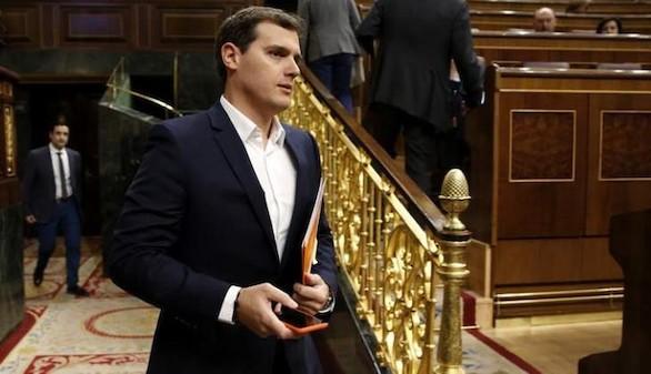 Ciudadanos se venga del PP y se abstiene en la reforma de la estiba