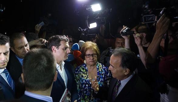 Rivera habla con López pero le prohíben ver a Ledezma