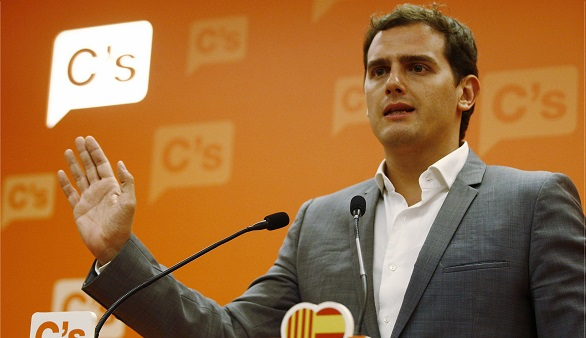 Moncloa llama a Rivera y Sánchez pide que Podemos participe