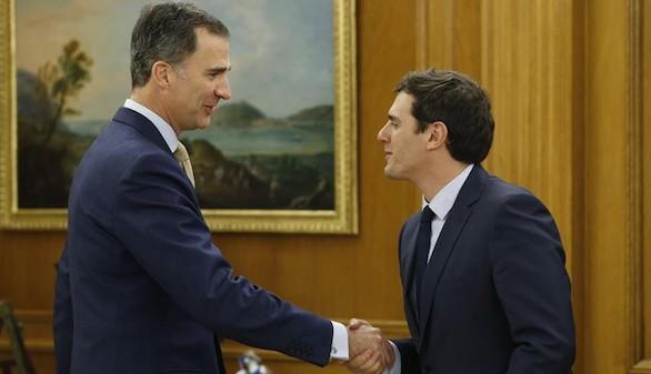 Rivera comunica al Rey que C's está dispuesto a 'desencallar' la legislatura