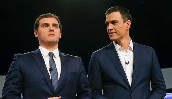 Sánchez y Rivera celebran su pacto, basado en cinco reformas constitucionales