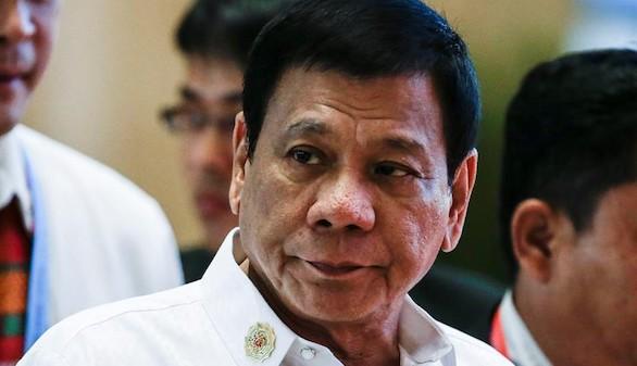 El presidente de Filipinas lamenta haber llamado