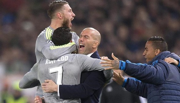La eficacia del Madrid derriba el muro de la Roma |0-2