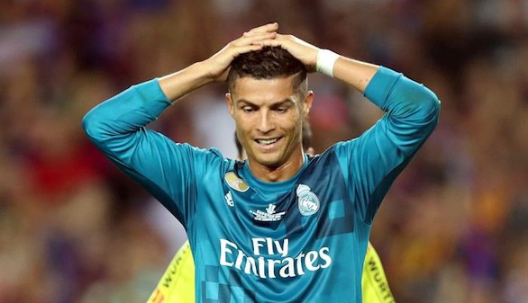 Cinco partidos de sanción para Ronaldo por la roja y empujar al árbitro