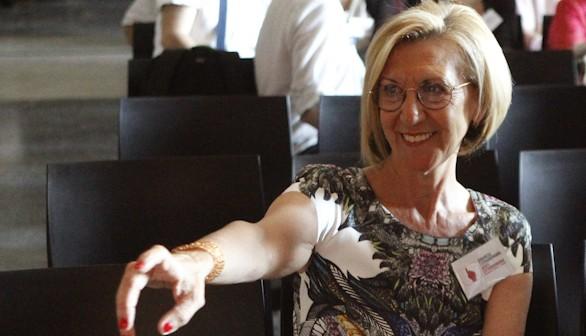 Rosa Díez se despide emocionada y pide perdón a quien haya podido ofender
