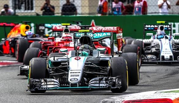 La pobre salida de Hamilton entrega el triunfo a Rosberg en Monza