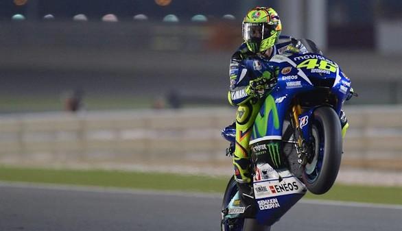 Rossi abre fuego en una jornada sin brillo español