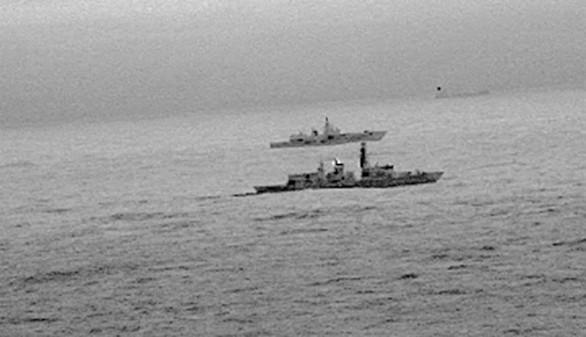 La marina británica escolta a un buque de guerra ruso que cruzó sus aguas