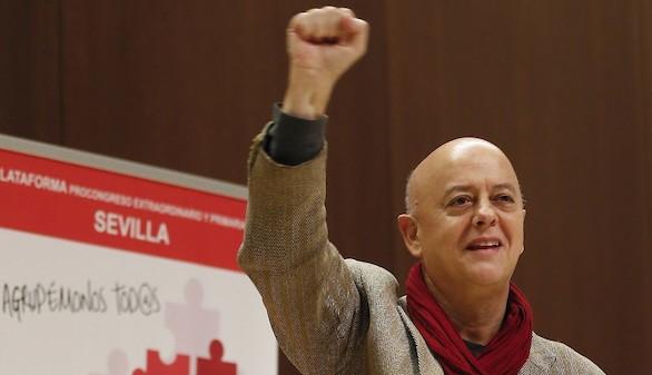 Los diputados 'sanchistas' celebran el regreso de Sánchez, que les pide calma