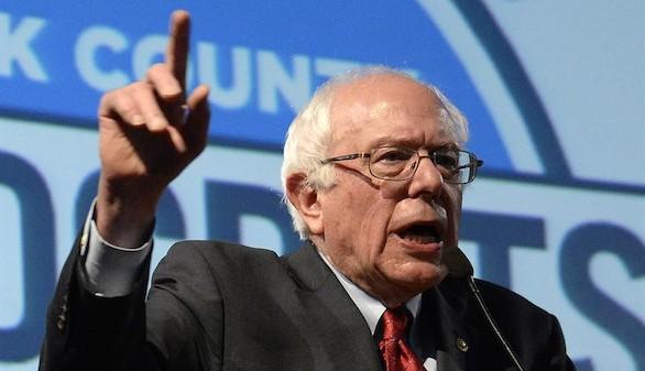 Sanders supera por primera vez a Clinton en una encuesta nacional