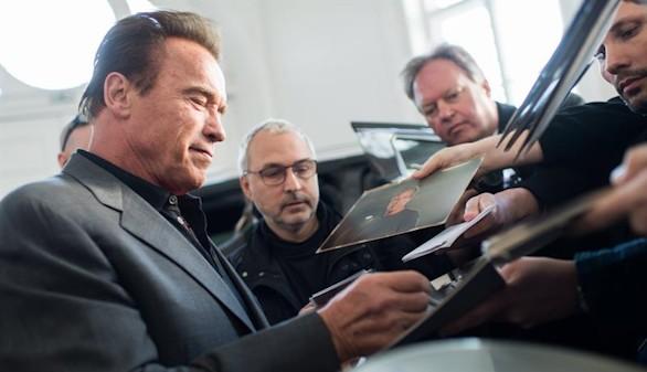 Schwarzenegger critica a Trump por impulsar el carbón: