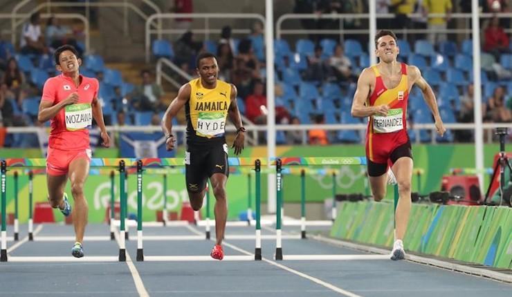 Sergio Fernández se marcha de Río batiendo el récord más antiguo del atletismo español