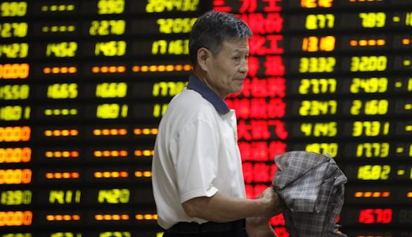 La Bolsa de Shanghái cae un 8,4 por ciento en su peor jornada en 8 años
