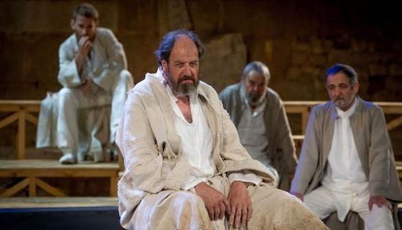 Sócrates, de Mario Gas y Alberto Iglesias: el teatro hecho astillas
