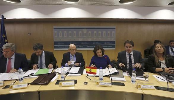 El Gobierno y el PSOE pactan un déficit autonómico del 0,6 %