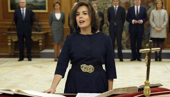 Los trece ministros del Gobierno juran su cargo ante Don Felipe