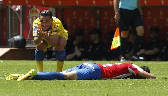 Las Palmas mantiene con vida al Sporting |1-0
