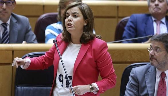 Sáenz de Santamaría pide al PSOE frenar la corrupción en sus filas
