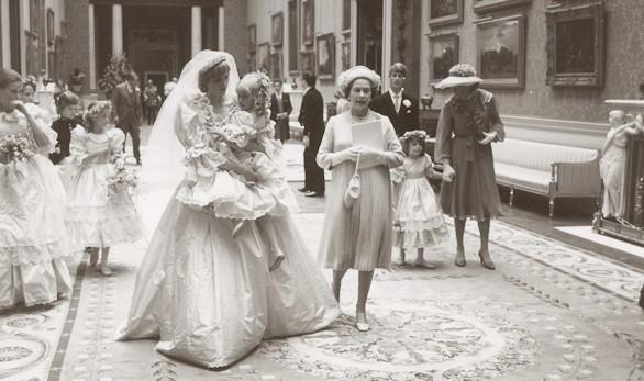 A subasta fotografías inéditas de la boda del príncipe Carlos y Diana