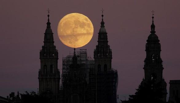 La superluna de esta madrugada es la más grande en 70 años
