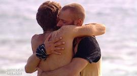 Albert y Fabio liman asperezas en 'Supervivientes' y terminan con un emotivo abrazo.