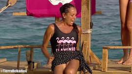 Isabel Pantoja se salvó de la expulsión en 'Supervivientes' y sufrió un ataque de pánico al tirarse al agua.