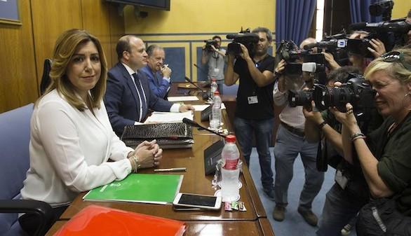 Díaz quiere culpar al Gobierno del escándalo de los cursos