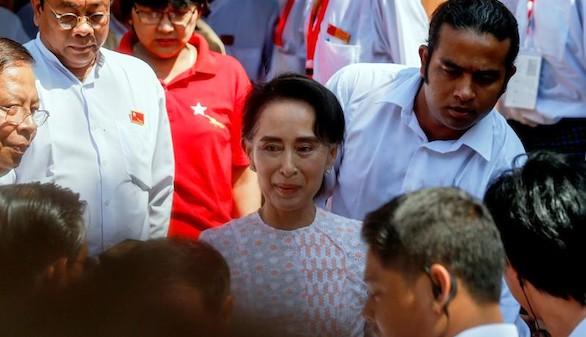 El partido de la Nobel de la Paz Suu Kyi, líder en el escrutinio de las elecciones birmanas