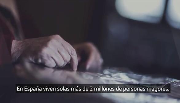 Voluntarios Telefónica inicia una campaña para romper el círculo de la soledad
