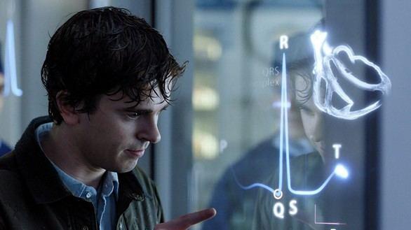 Freddie Highmore da vida a un joven cirujano con autismo en 'The Good Doctor'.
