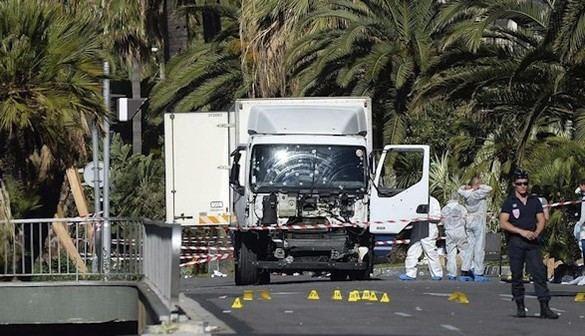 Un camionero, nacido en Túnez, autor de la matanza de Niza: 84 muertos y 50 heridos críticos