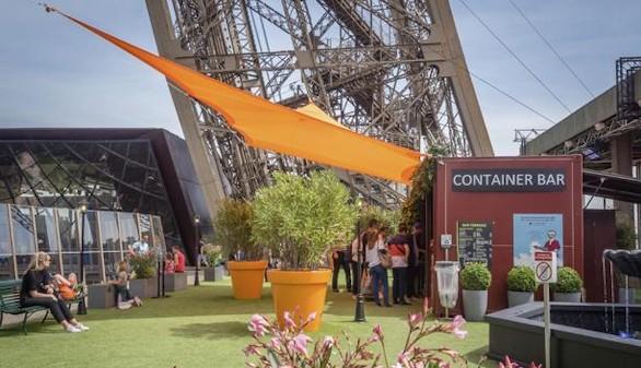La Torre Eiffel presume de terraza verde durante este verano