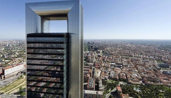Amancio Ortega compra la Torre Cepsa por 490 millones de euros