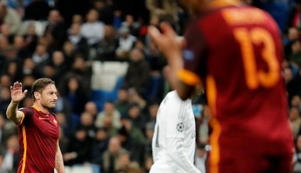 Totti entró al vestuario del Real Madrid para pedir una camiseta a Ramos