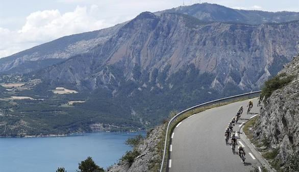 Tour de Francia. Barguil toma el Izoard mientras Landa se sitúa cuarto