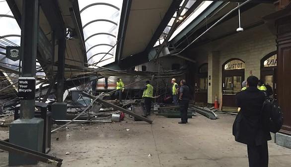 Tres muertos y 200 heridos en un accidente de tren en Nueva Jersey