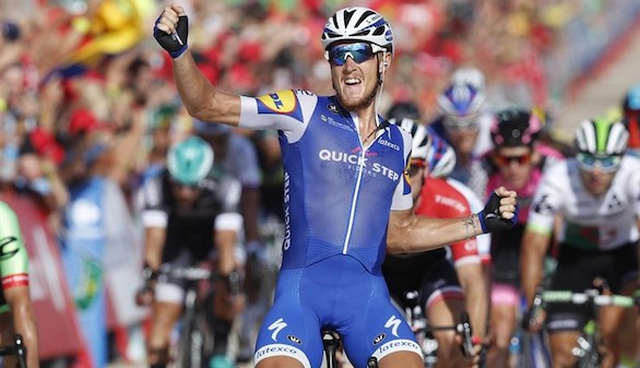 La Vuelta. Matteo Trentin gana en Tarragona y Froome sigue de líder