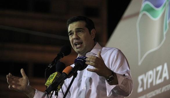 Tsipras, desesperado por 'salvar la cara' ante sus votantes
