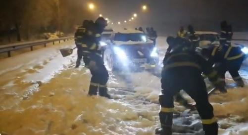 Concluye el rescate de los 1.500 vehículos atrapados en las carreteras de Madrid