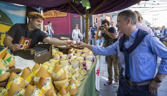 Urkullu espera que los resultados supongan que 'Euskadi siga siendo singular'