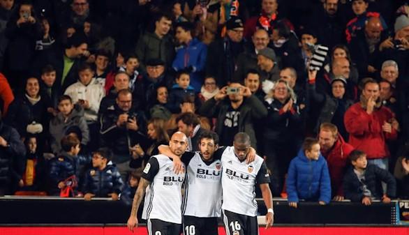 El Valencia escapa con un penalti del acoso del Celta  2-1