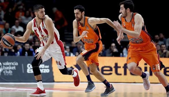 Euroliga. El Olympiacos mantiene al Valencia en la espiral de derrotas