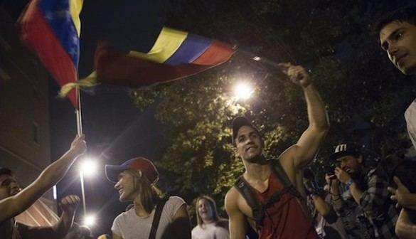 La oposición venezolana logra una victoria aplastante y pone al chavismo contra las cuerdas