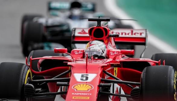 Fórmula 1. Vettel se impone en la infructuosa remontada de Hamilton