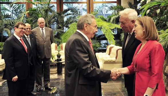 España intensifica relaciones con Cuba tras el deshielo