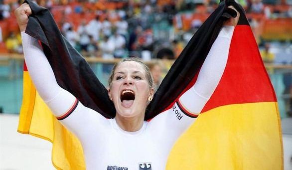La alemana Kristina Vogel gana el oro en velocidad femenino